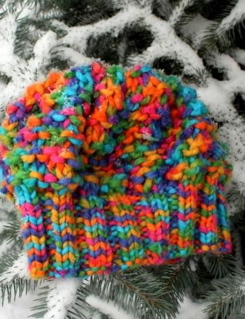 Čepice barevná zářivá