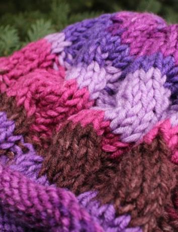 Čepice copatá fialovorůžovohnědá