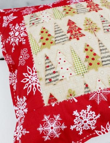 Vánoční polštář Holiday Stitches III.