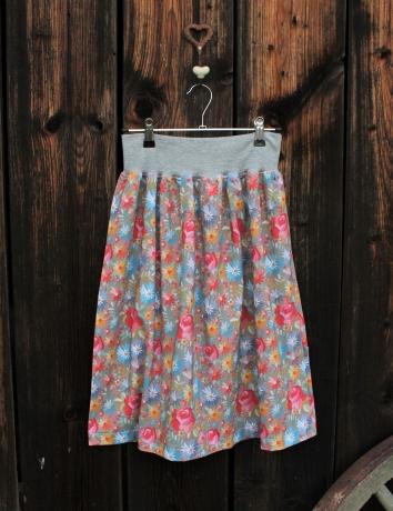 Úpletová sukně  Embroidery Roses Gray