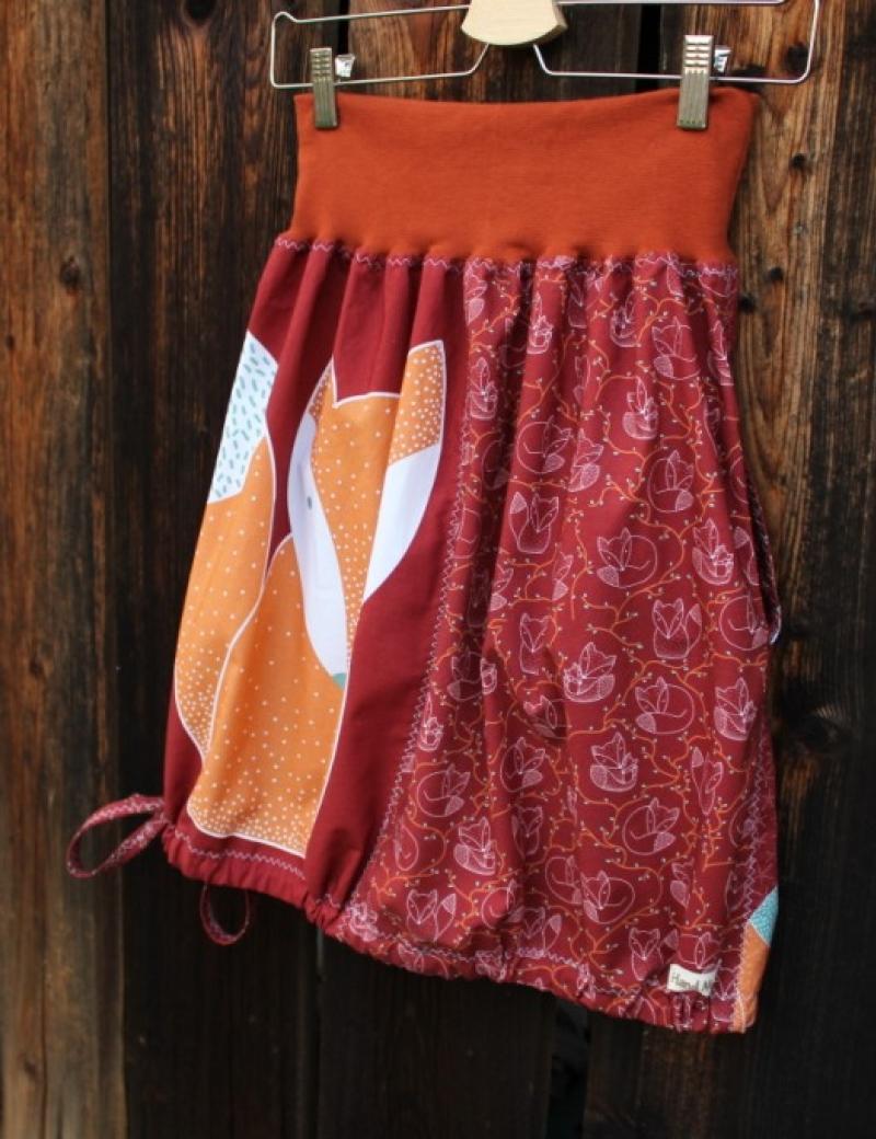 Autorská kapsová sukně Lišky kamarádky červené