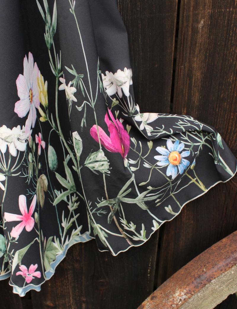 Kolová sukně Louka na černé