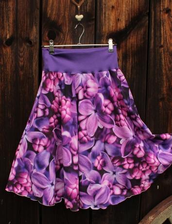 Půlkolová krátká sukně Šeřík fialový