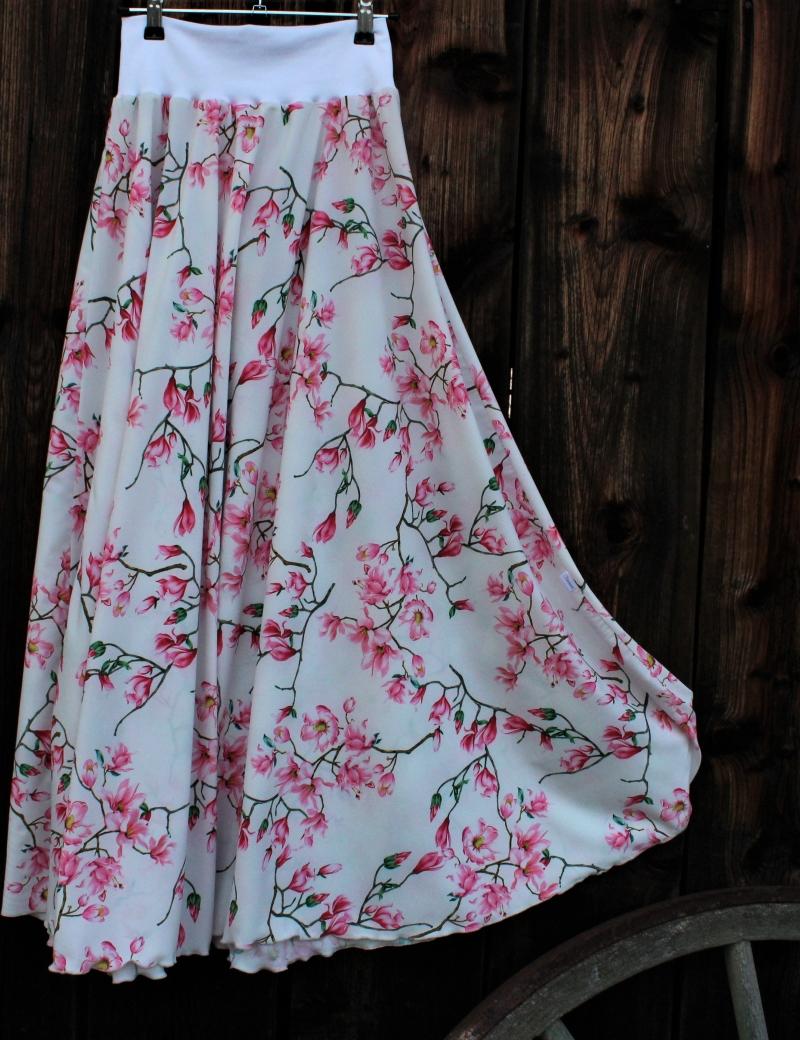 Půlkolová dlouhá sukně Minimagnolie