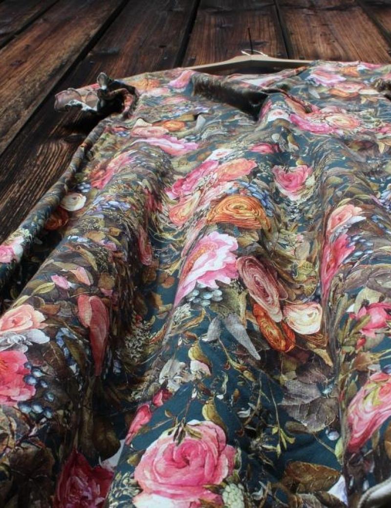 Zavinovací šaty Květy na petroleji