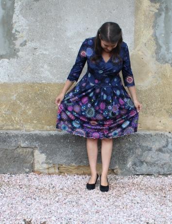 Zavinovací šaty Mandala se skládanou sukní