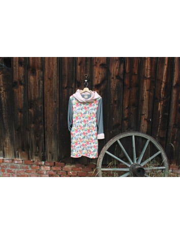 Mikinové šaty s kapucí - Domky pastelové