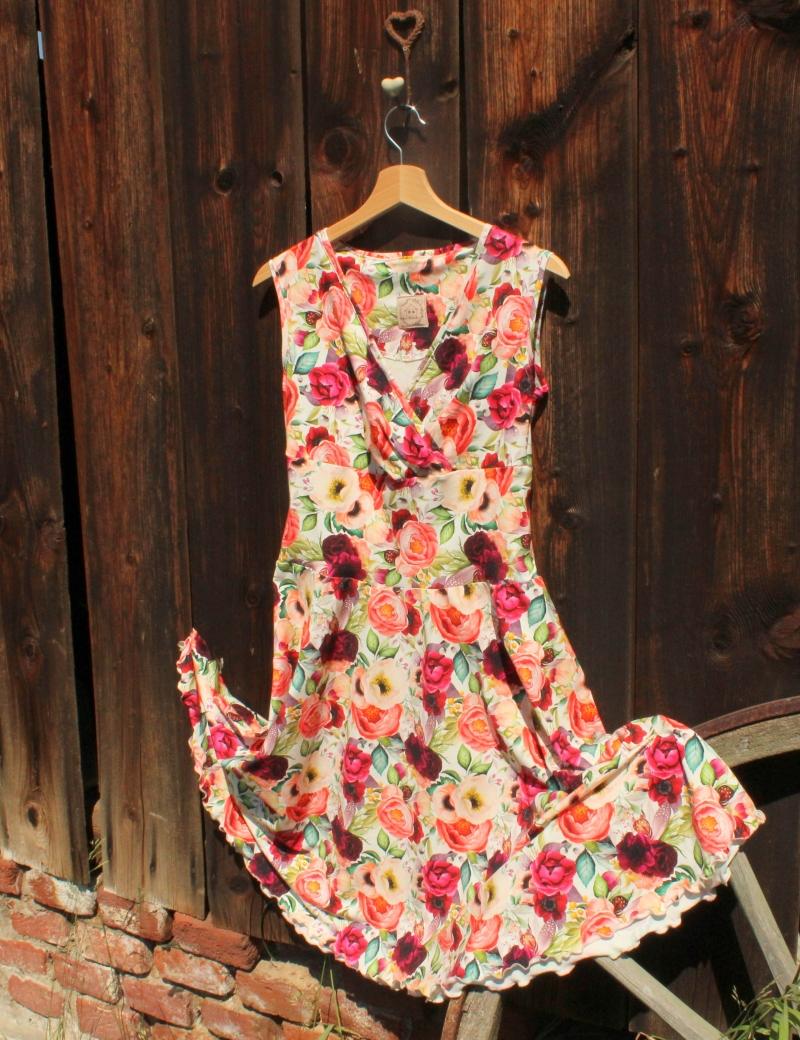 Zavinovací půlkolové šaty Čarovná zahrada
